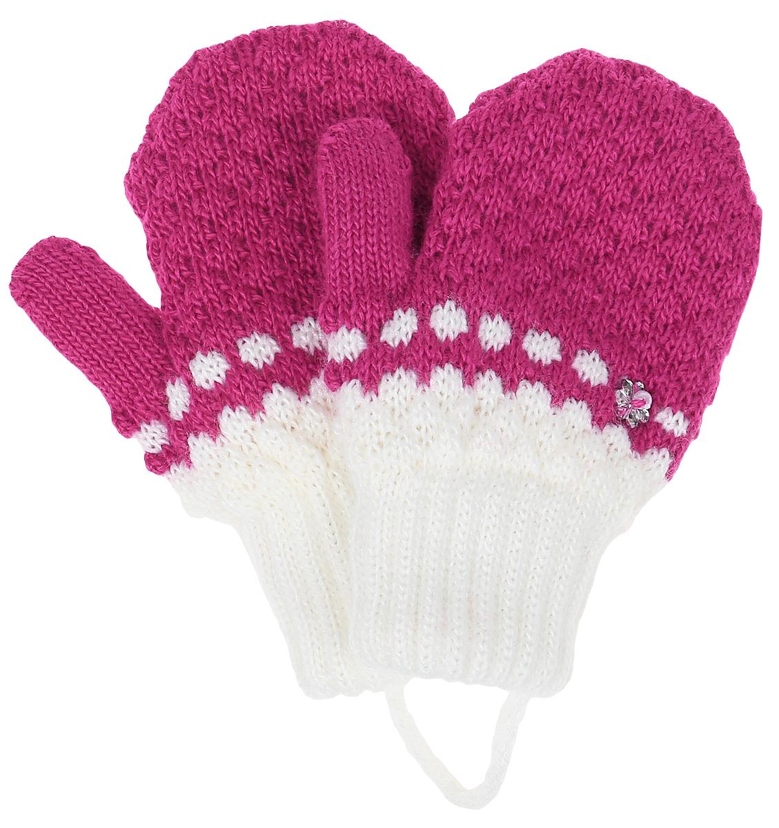 FIOLEK-22Варежки для девочки Margot Bis выполнены из акрила с добавлением теплой шерсти. Изделие оформлено стразами и оригинальным вязаным рисунком. Варежки очень мягкие и приятные на ощупь, не раздражают нежную кожу ребенка, хорошо сохраняют тепло. Верх модели на мягкой резинке, которая не стягивает запястья и надежно фиксирует перчатки на руках ребенка. Варежки связаны шнурком для предотвращения их потери.