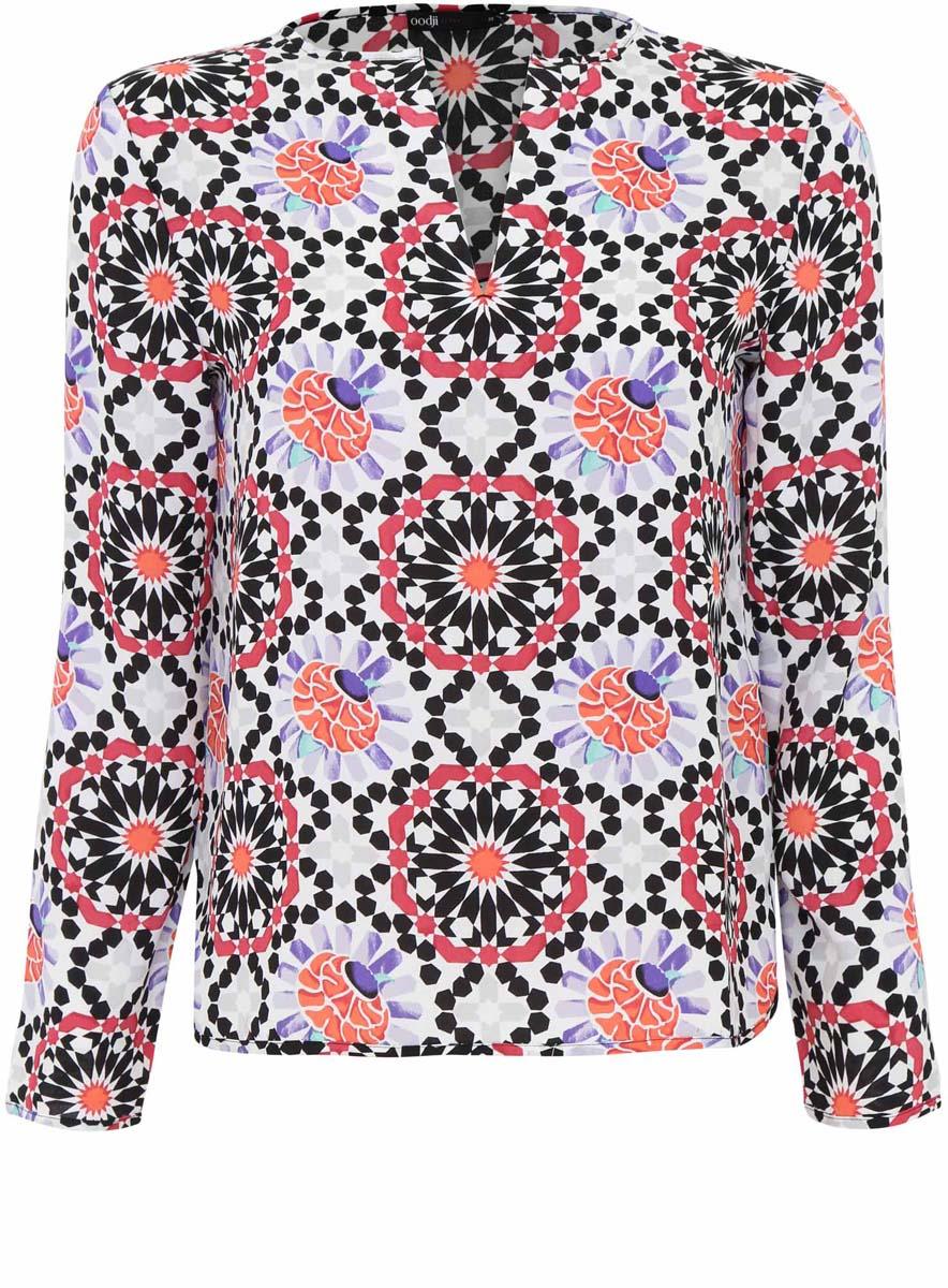 11411056M/33109/1229GОригинальная женская блузка oodji Ultra, выполненная из качественного полиэстера, не оставит вас без внимания. Модель свободного силуэта с V-образным вырезом горловины и длинными рукавами. Оформлена блузка контрастным принтом и по спинке немного удлинена.