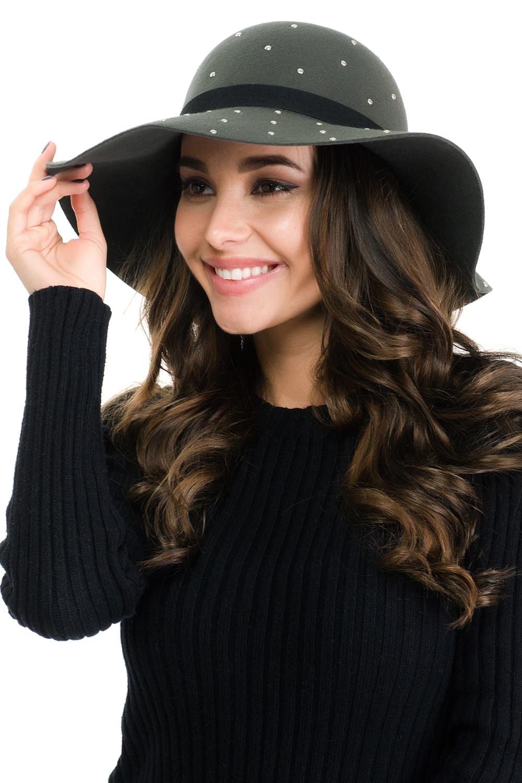 Шляпа141E-1604Элегантная женская шляпа Moltini, выполненная из высококачественного тонкого фетра, дополнит любой образ. Модель с невысокой тульей и загнутыми вниз полями. Шляпа-клош оформлена металлическими клепками, а по тулье дополнена тонким тканевым ремешком. Аккуратные поля шляпы придадут вашему образу таинственности и шарма.