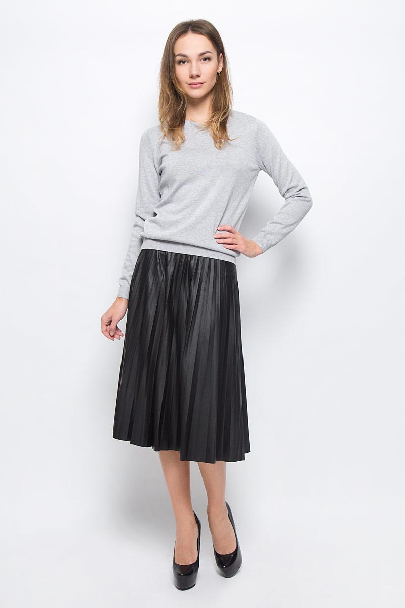 5513334.00.75_2999Модная юбка Tom Tailor Contemporary выполнена из эластичного полиэстера с полиуретановым покрытием. Юбка-миди с гофрированными складками застегивается на металлическую застежку-молнию, расположенную сбоку.