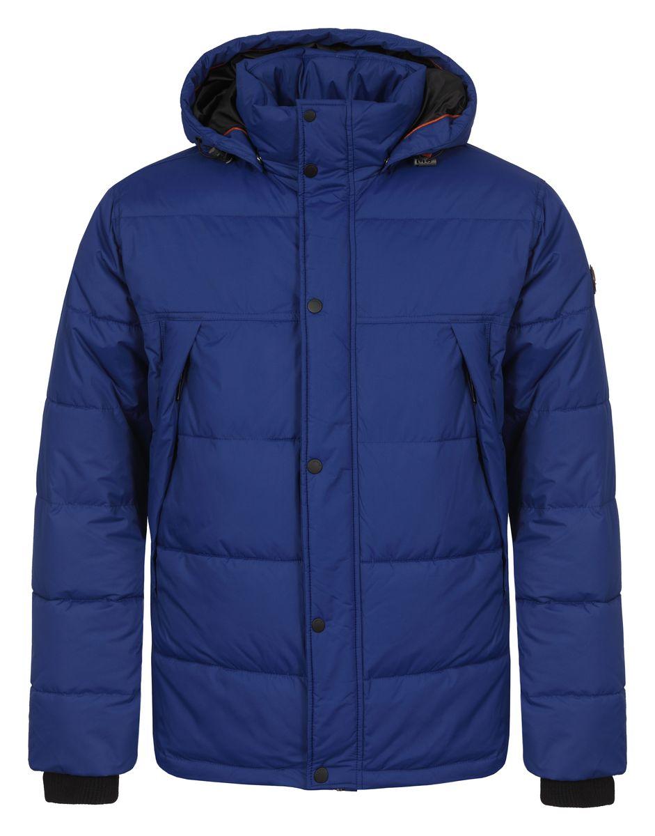 Куртка636567355LVМужская куртка Luhta Paul с длинными рукавами, воротником-стойкой и съемным капюшоном на кнопках выполнена из полиэстера. Наполнитель - синтепон. Куртка застегивается на застежку-молнию спереди и имеет ветрозащитный клапан на кнопках. Изделие оснащено двумя втачными карманами на молниях спереди, а также внутренним втачным карманом на молнии. Рукава дополнены внутренними трикотажными манжетами. Объем капюшона регулируется при помощи шнурка-кулиски. Низ изделия также оснащен шнурком-кулиской.