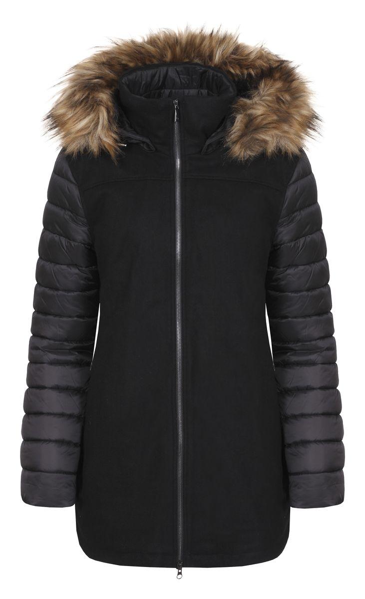 Куртка636487353L7VЖенская куртка Luhta Pirtte с длинными рукавами и съемным капюшоном на кнопках выполнена из шерсти с добавлением полиэстера и других волокон. Наполнитель - синтепон. Куртка застегивается на застежку-молнию спереди. Изделие оснащено двумя втачными карманами на молниях спереди и внутренним втачным карманом на молнии. Капюшон украшен съемным искусственным мехом на застежке-молнии.