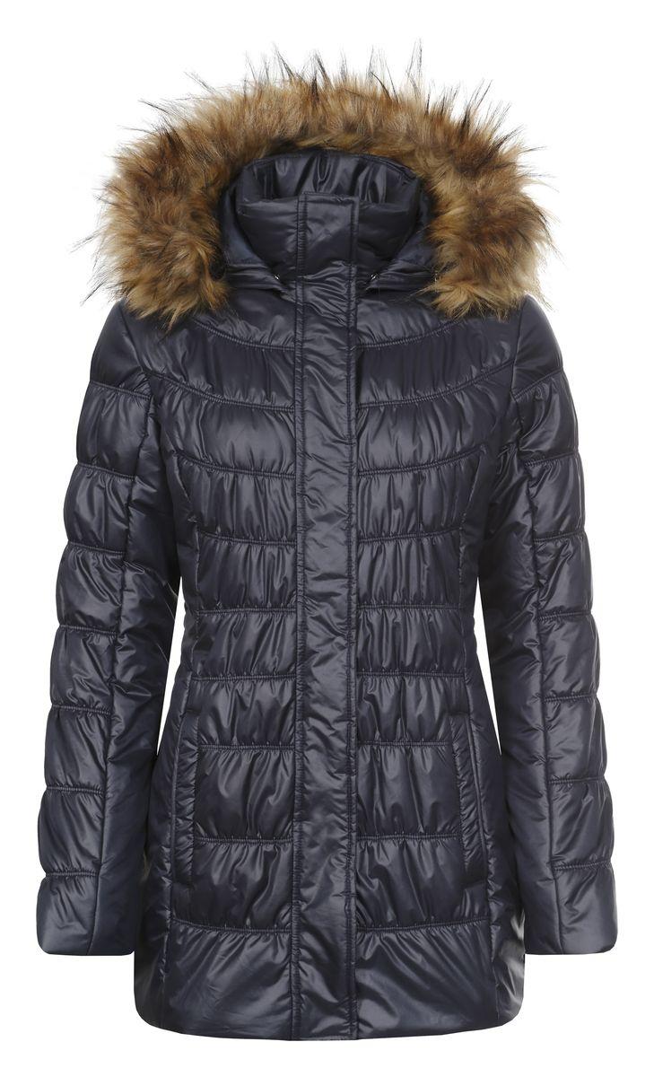Куртка636485356L6VЖенская куртка Icepeak Pirgitta с длинными рукавами, воротником-стойкой и съемным капюшоном на кнопках выполнена из полиэстера. Наполнитель - синтепон. Капюшон украшен искусственным мехом на застежке-молнии. Куртка застегивается на застежку-молнию спереди и имеет ветрозащитный клапан на кнопках. Изделие оснащено двумя втачными карманами на молниях спереди и внутренним втачным карманом на застежке-молнии. Объем капюшона регулируется при помощи шнурка-кулиски. Низ изделия также оснащен шнурком-кулиской.