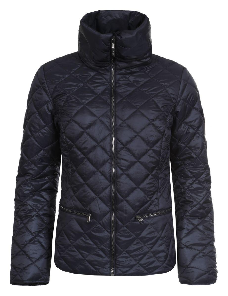 Куртка636474363LVЖенская куртка Luhta Piiku с длинными рукавами и воротником-стойкой выполнена из полиамида. Наполнитель - синтепон. Куртка застегивается на застежку-молнию спереди. Изделие оснащено двумя втачными карманами на молниях спереди и внутренним втачным карманом на застежке-молнии. Куртка оформлена стеганым узором.
