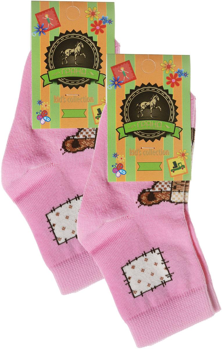 YCL41Яркие детские носки Гранд, изготовленные из высококачественного хлопка с добавлением полиамида и эластана, обеспечат тепло ногам и великолепную посадку. Носки оформлены оригинальным принтом. Удобная резинка идеально облегает ногу и не пережимает сосуды, удлиненный паголенок придает более эстетичный вид. Мыс и носок усилены. В комплект входят две пары носков.