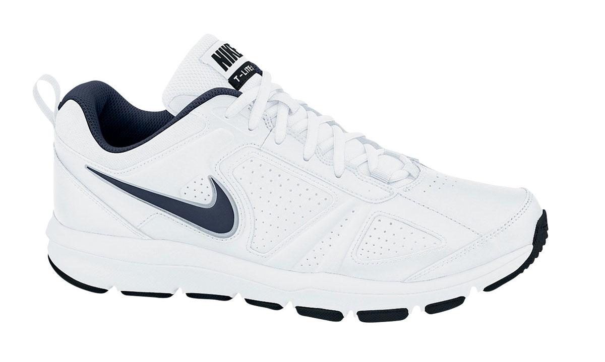 616544-007Мужские кроссовки Nike T-Lite XI предназначены как для фитнеса, так и для повседневной носки. Модель выполнена из комбинации натуральной, синтетической кожи и текстиля. Верх изделия дополнен перфорацией, что создает превосходную вентиляцию и комфорт в течении всего дня. Подъем оформлен классической шнуровкой, которая надежно фиксирует обувь на ноге и регулирует объем. Подкладка и стелька, идеально подстраивающаяся под анатомические контуры стопы, изготовлены из текстиля. Плоские швы не натирают кожу и не сковывают движений. По бокам кроссовки декорированы символикой бренда. Язычок дополнен текстильной нашивкой, а задник - ярлычком для более удобного обувания. Легкая промежуточная подошва изготовлена из филона, протектор - из твердой резины. Бугорки Delta на протекторе подошвы обеспечивают превосходное сцепление с поверхностью.