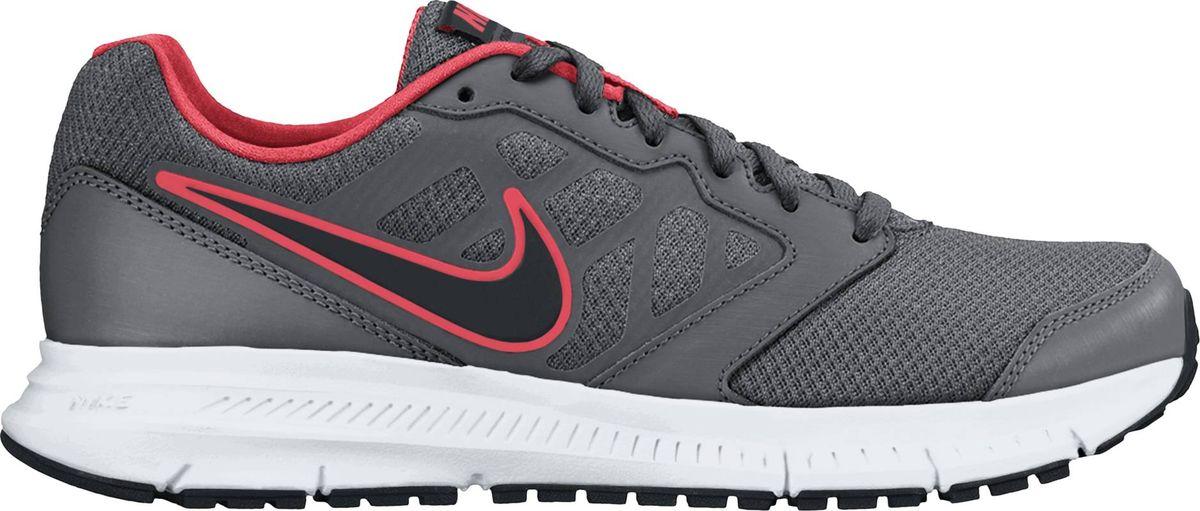 684652-003Мужские кроссовки для бега Nike Downshifter 6 прекрасно подходят для ежедневных пробежек благодаря воздухопроницаемости и оптимальной амортизации. Модель выполнена из комбинации натуральной и синтетической кожи и сетчатого текстиля, создающих выдающуюся форму верха с превосходной вентиляцией и поддержкой для максимальной естественности движений во время пробежки и комфорта в течение всего дня. Подъем оформлен классической шнуровкой, которая надежно фиксирует обувь на ноге и регулирует объем. Подкладка и стелька, которая идеально подстраивается под анатомические контуры стопы, изготовлены из текстиля. По бокам кроссовки декорированы символикой бренда. Язычок дополнен текстильной нашивкой. Лёгкая промежуточная подошва из пеноматериала гарантирует мягкую амортизацию. Резиновая подошва держит сцепление в местах, подверженных наибольшему износу. Глубокие эластичные желобки делают движения более плавными и естественными.
