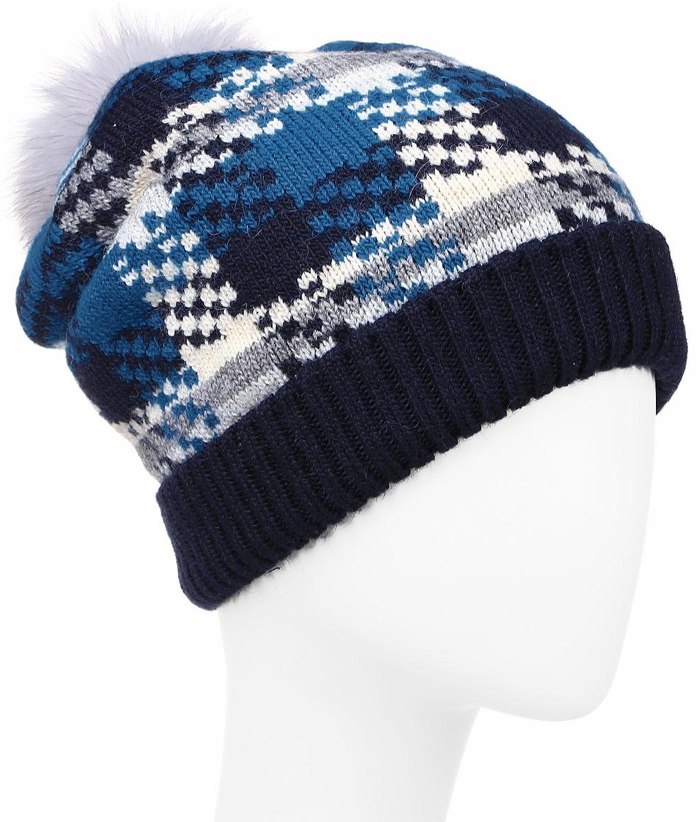 ШапкаW16-32122_202Теплая женская шапка Finn Flare, выполненная из акрила с добавлением шерсти, отлично дополнит ваш образ в холодную погоду. Модель с помпоном из натурального меха песца по низу связана резинкой. Изделие дополнено отворотом и декоративной складкой сзади. Шапка оформлена оригинальным вязаным узором и фирменной металлической нашивкой. Шапка составит идеальный комплект с модной верхней одеждой и подарит вам уют и тепло. Уважаемые клиенты! Размер, доступный для заказа, является обхватом головы.