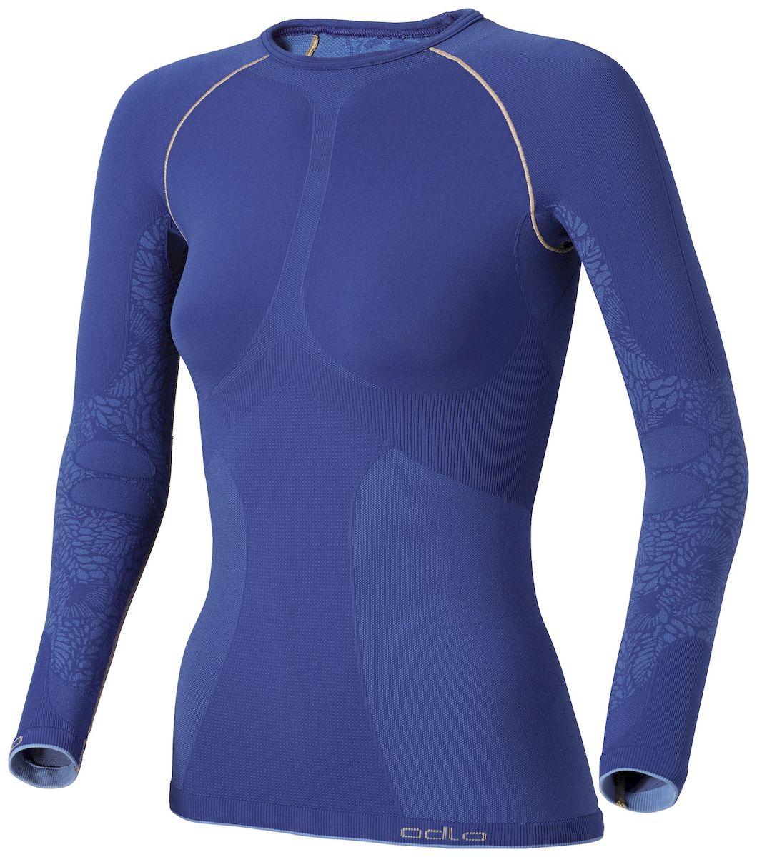 Термобелье футболка180671Женская футболка с длинным рукавом для активного отдыха и занятий спортом на природе в зимнее время года. Изнаночный слой футболки из флиса с начесом для поддержки оптимального температурного баланса. Наличие функциональных вставок обеспечивает воздухопроницаемость, а ионы серебра, входящие в состав волокон, предотвращают появление запаха пота. Благодаря высокой эластичности футболка не сковывает движений и создает ощущение мягкости на теле. Для дополнительного комфорта нижняя кромка футболки плоская.