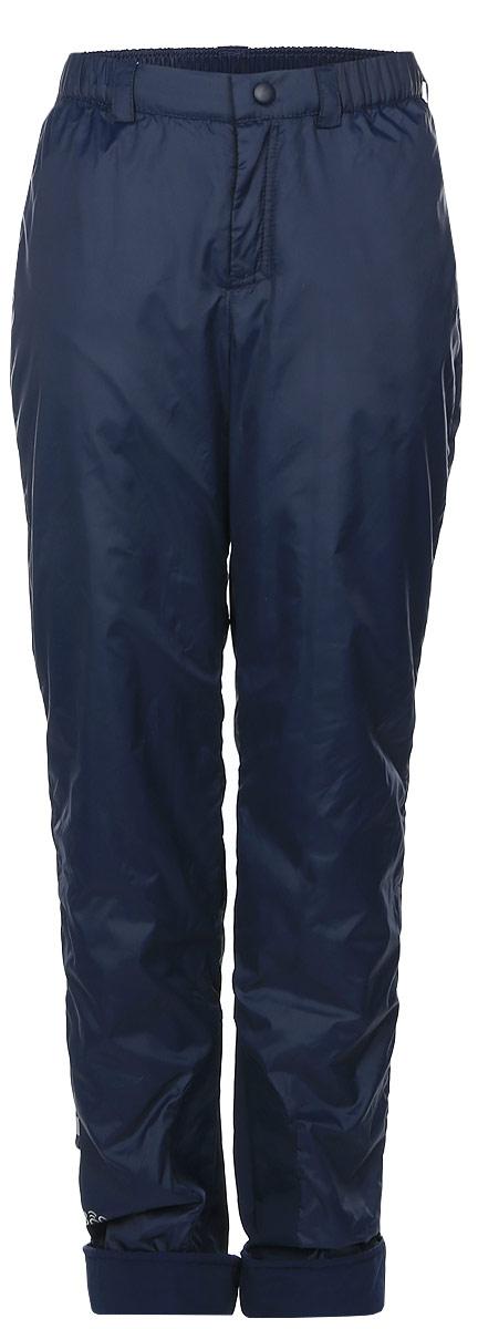 64065_BOB_вар.3Утепленные брюки Boom! идеально подойдут вашему мальчику в прохладное время года. Брюки, изготовленные из 100% полиэстера на флисовой подкладке, приятные на ощупь, не сковывают движений и обеспечивают наибольший комфорт. Брюки прямого кроя по бокам оснащены двумя прорезными карманами, сзади - накладным открытым карманом. Низ штанин подгибается. Брюки на талии имеют широкий эластичный пояс, регулируемый с помощью скрытой резинки на пуговице. Нижняя часть штанин дополнена накладками из плотной ткани, которые предотвращают истирание штанин при ходьбе. Светоотражающие нашивки не оставят вашего ребенка незамеченным в темное время суток. До 122 размера брюки имеют эластичный пояс без застежек и оснащены съемными эластичными лямками, регулируемыми по длине. После 122 размера брюки застегиваются на кнопку в поясе и ширинку на застежке-молнии. Лямки в комплект не входят.
