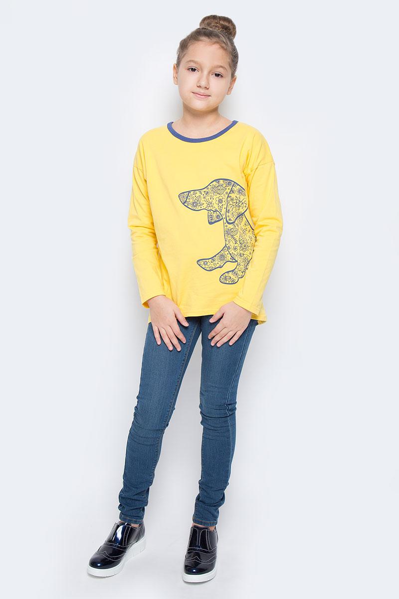 Футболка с длинным рукавомWJF260092-2Модный лонгслив для девочки выполнен из эластичного хлопка. Модель с круглым вырезом горловины и длинными рукавами оформлена оригинальным изображением собаки, оформленной стразами.