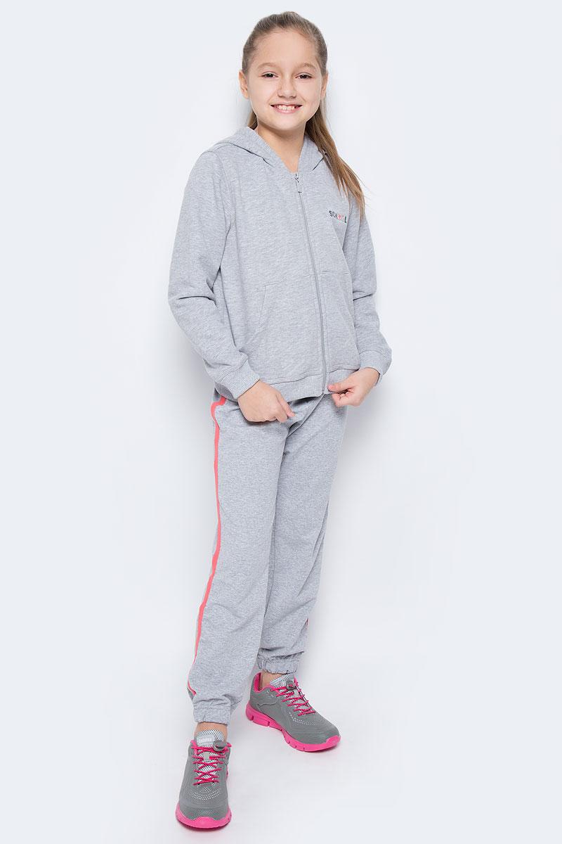 Спортивный костюм6449Костюм состоит из кофты и брюк, изготовленных из хлопка с добавлением полиэстера, благодаря чему они не сковывают движения ребенка и позволяют коже дышать. Кофта с капюшоном на застежке-молнии спереди дополнена двумя накладными карманами и оформлена надписью School. Брюки дополнены широкой резинкой и утягивающим шнурком на талии. Оформлены контрастными лампасами. Низ брючин дополнен эластичными резинками.