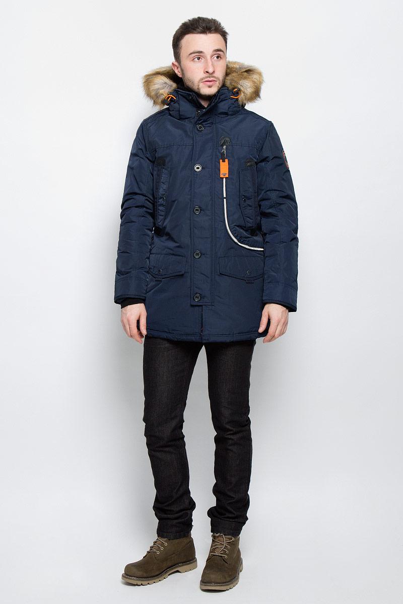 3532826.77.10_3483Стильная мужская куртка Tom Tailor выполнена из высококачественного плотного материала, рассчитана на холодную погоду. Модель с длинными рукавами, капюшоном, воротником-стойкой застегивается на застежку-молнию и дополнительно ветрозащитным клапаном на кнопки и пуговицы. Рукава дополнены трикотажными манжетами. Капюшон оформлен искусственным мехом, который при желании можно отстегнуть. Куртка с внутренней стороны на талии оформлена текстильным шнуром со стопперами. Модель спереди дополнена двумя накладными карманами с клапаном на кнопке, тремя втачными карманами на кнопках и одним большим карманом на застежке- молнии. Внутри модель дополнена одним прорезным и одним накладным карманами на застежке-липучки.