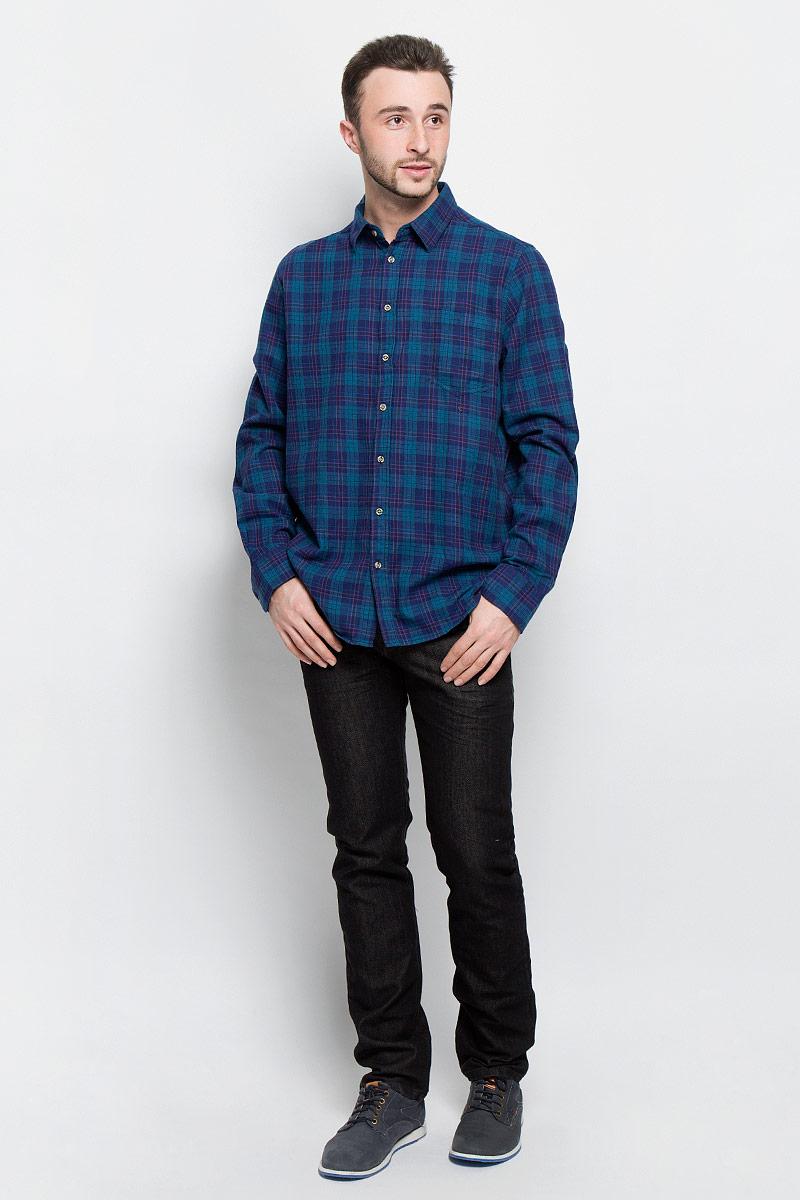 РубашкаH-212/728-6436Мужская рубашка Sela Casual Wear выполнена из натурального хлопка. Рубашка с длинными рукавами и отложным воротником застегивается на пуговицы спереди. Манжеты рукавов также застегиваются на пуговицы. Рубашка оформлена принтом в клетку. На груди расположен накладной карман.