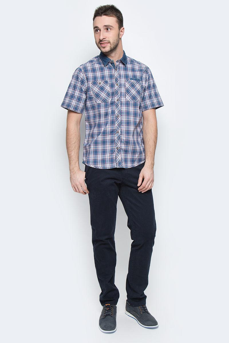 Рубашка2031676.00.10_6865Стильная мужская рубашка Tom Tailor, выполненная из натурального хлопка, позволяет коже дышать, тем самым обеспечивая наибольший комфорт при носке. Модель классического кроя с отложным воротником и короткими рукавами застегивается на пуговицы по всей длине. Модель оформлена оригинальным принтом. На груди расположены два накладных кармана на пуговицах и карман-держатель для авторучек.