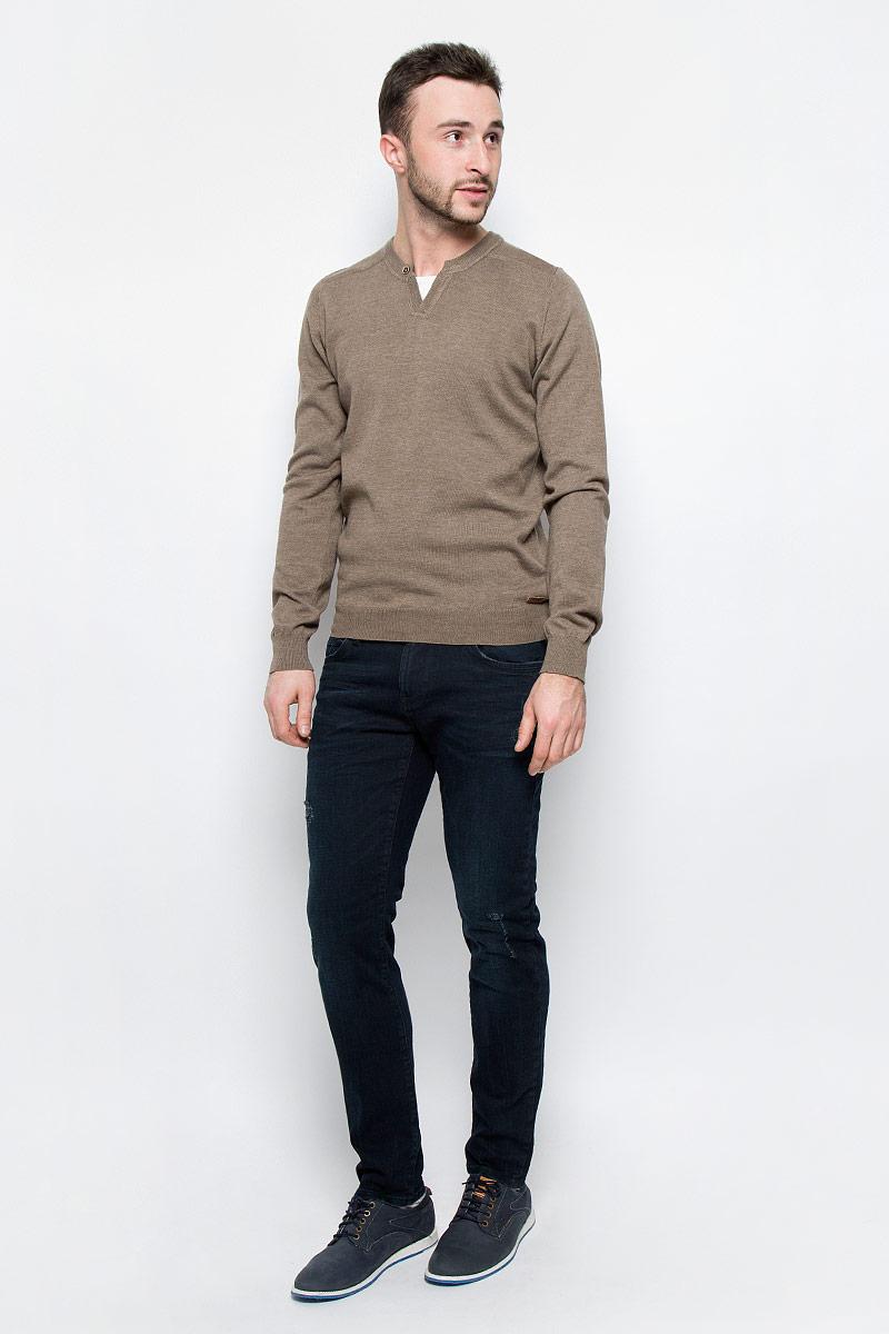 MX3026707_MN_DNM_010Модные мужские джинсы Mexx Amsterdam выполнены из хлопка с добавлением эластана. Джинсы-слим застегиваются на пуговицу по поясу и имеют ширинку на застежке-молнии, также имеются шлевки для ремня. Спереди модель дополнена двумя втачными карманами и маленьким накладным кармашком, а сзади - двумя накладными карманами. Изделие оформлено потертостями.