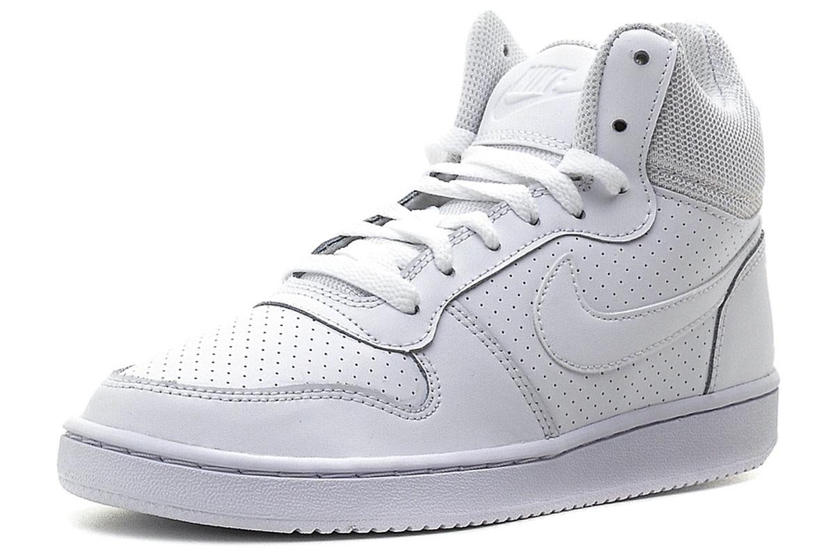 844906-110Высокие кеды Nike Recreation Mid из перфорированной кожи с замшевыми накладками. Резиновая подошва Сupsole усиливает поддержку и обеспечивает превосходное сцепление с поверхностью. Язычок из сетки.