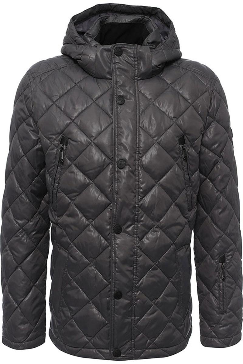КурткаW16-21002_202Стильная мужская куртка Finn Flare изготовлена из высококачественного полиэстера. В качестве утеплителя используется полиэстер. Куртка с воротником-стойкой и съемным капюшоном застегивается на застежку-молнию и дополнительно на клапан с кнопками. Капюшон, дополненный регулирующим эластичным шнурком, пристегивается к куртке с помощью кнопок и липучек. Спереди расположены четыре прорезных кармана на застежках-молниях, на рукаве - прорезной карман на застежке-молнии, с внутренней стороны - прорезной карман на застежке-молнии и два накладных кармана на пуговицах. Манжеты рукавов дополнены трикотажными напульсниками. Нижняя часть модели регулируется с помощью эластичного шнурка со стопперами.