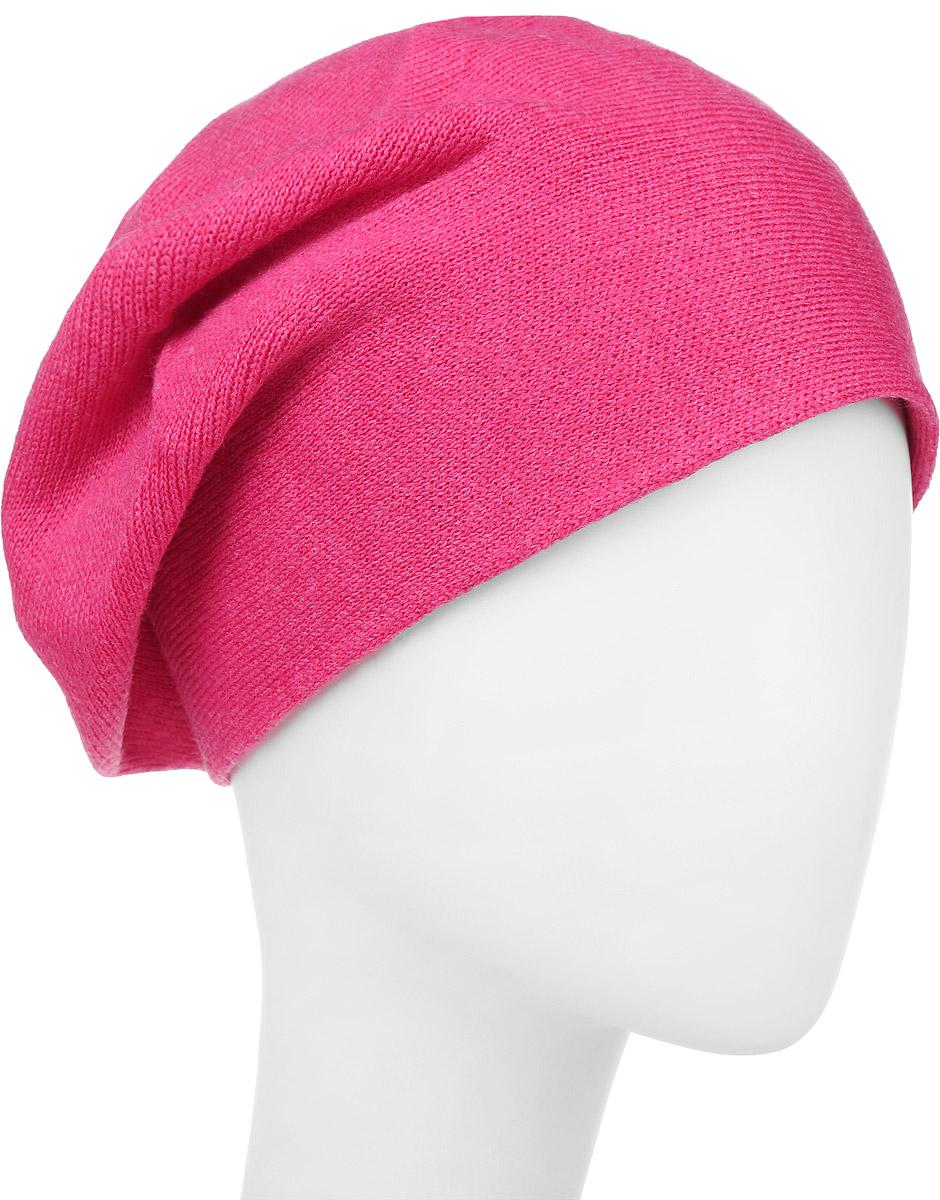 ШапкаF2241643C-11Вязаная женская шапка Vittorio Richi выполнена из шерсти с добавлением акрила. Модель украшена небольшой аппликацией из стразов. Уважаемые клиенты! Размер, доступный для заказа, является обхватом головы.