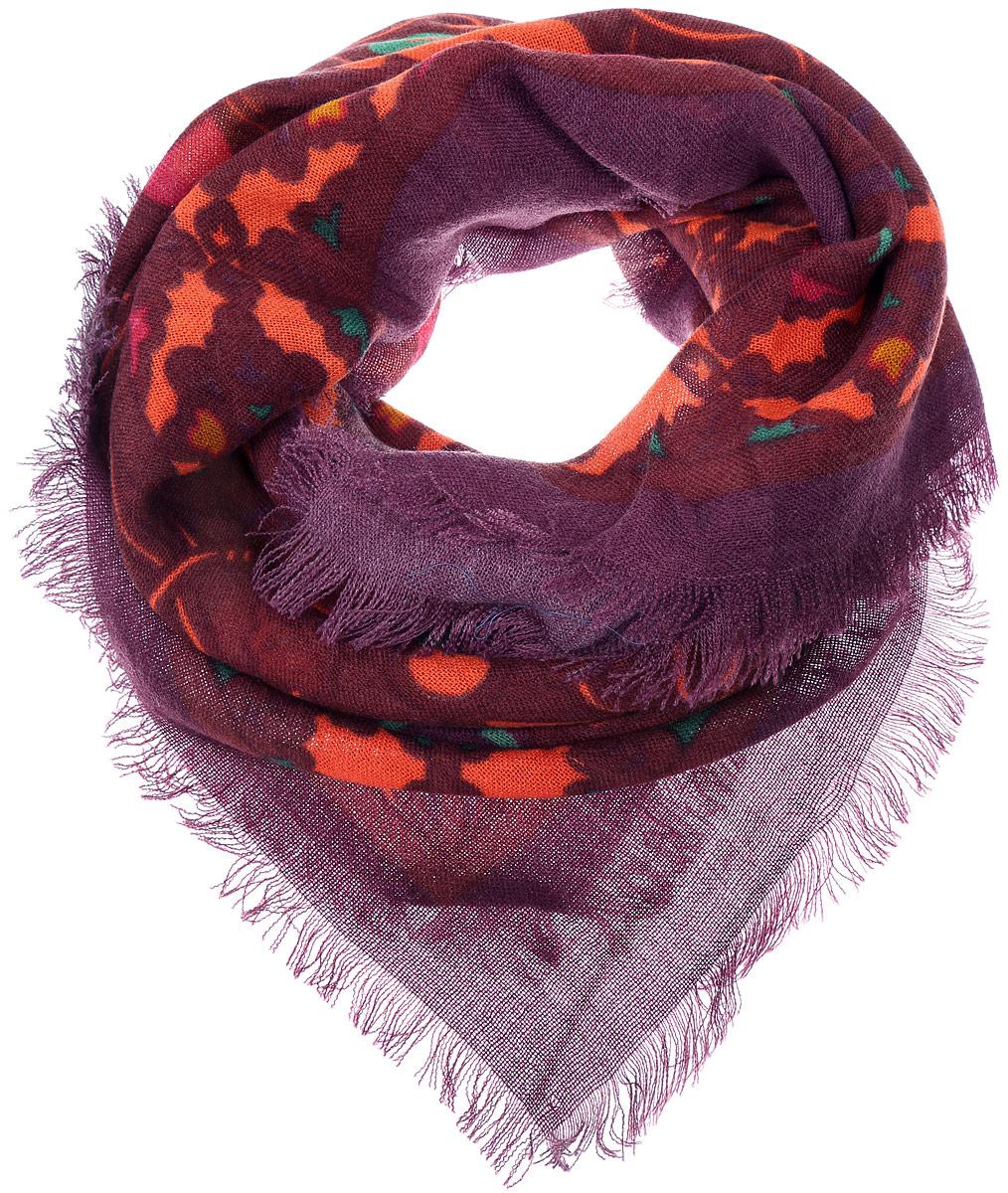 ПлатокSH1502-R18-1Теплый женский платок Vittorio Richi изготовлен из сочетания теплой шерсти и высококачественного акрила. Платок оформлен контрастным принтом с узорами и дополнен по краям стильной бахромой.