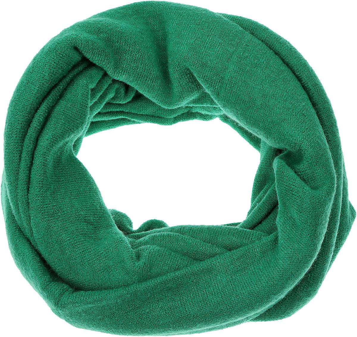 V2505-А7Женский вязаный снуд-хомут Vita Pelle станет отличным дополнением к гардеробу в холодную погоду. Изготовленный из высококачественной комбинированной пряжи, он необычайно мягкий и приятный на ощупь, максимально сохраняет тепло. Шарф-снуд мелкой вязки гармонично дополнит образ современной женщины, следящей за своим имиджем и стремящейся всегда оставаться стильной.