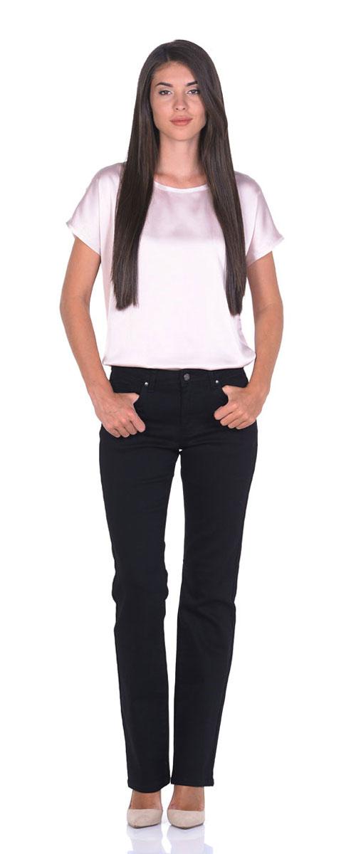 Джинсы10775_RWСтильные женские джинсы Montana Bell - отличная модель на каждый день, которая прекрасно вам подойдет. Изделие изготовлено из хлопка с добавлением полиэстера и спандекса. Джинсы прямого кроя высокой посадки на талии застегиваются на металлическую пуговицу, также имеются ширинка на застежке-молнии и шлевки для ремня. Спереди модель дополнена двумя втачными карманами со и одним маленьким накладным кармашком, а сзади - двумя накладными карманами. Оформлены джинсы в лаконичном однотонном стиле.