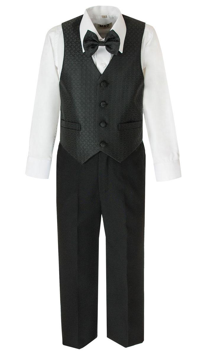 HWI170021-21Костюм для мальчика M&D изготовлен из полиэстера с добавлением модала и хлопка. Костюм включает в себя рубашку, брюки, жилет и галстук-бабочку. Рубашка с отложным воротником и длинными рукавами застегивается на пуговицы. Манжеты рукавов оснащены застежками-пуговицами. На груди расположен накладной карман. Брюки классического кроя и стандартной посадки застегиваются на пуговицу в поясе и ширинку на застежке-молнии. На поясе имеются шлевки для ремня. Пояс по бокам присборен на резинки. Брюки дополнены втачными карманами. Жилет с V-образным вырезом горловины застегивается на пуговицы. Спереди расположены два прорезных кармана. Галстук-бабочка дополнена эластичной резинкой.