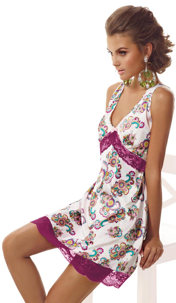 Ночная рубашкаBB092Ночная сорочка на широких бретелях Medina от итальянской марки Barbara Bettoni в оттенке цвета сияющей орхидеи. Сложный и многоцветный рисунок принта в восточном стиле выглядит особенно изысканно на тонком сияющем атласе. Легкое тонкое кружево насыщенного благородного нежного лилово-розового оттенка придает моделям Medina нежное очарование. Мягкий силуэт моделей подчеркивает обаяние и притягательность женственности.