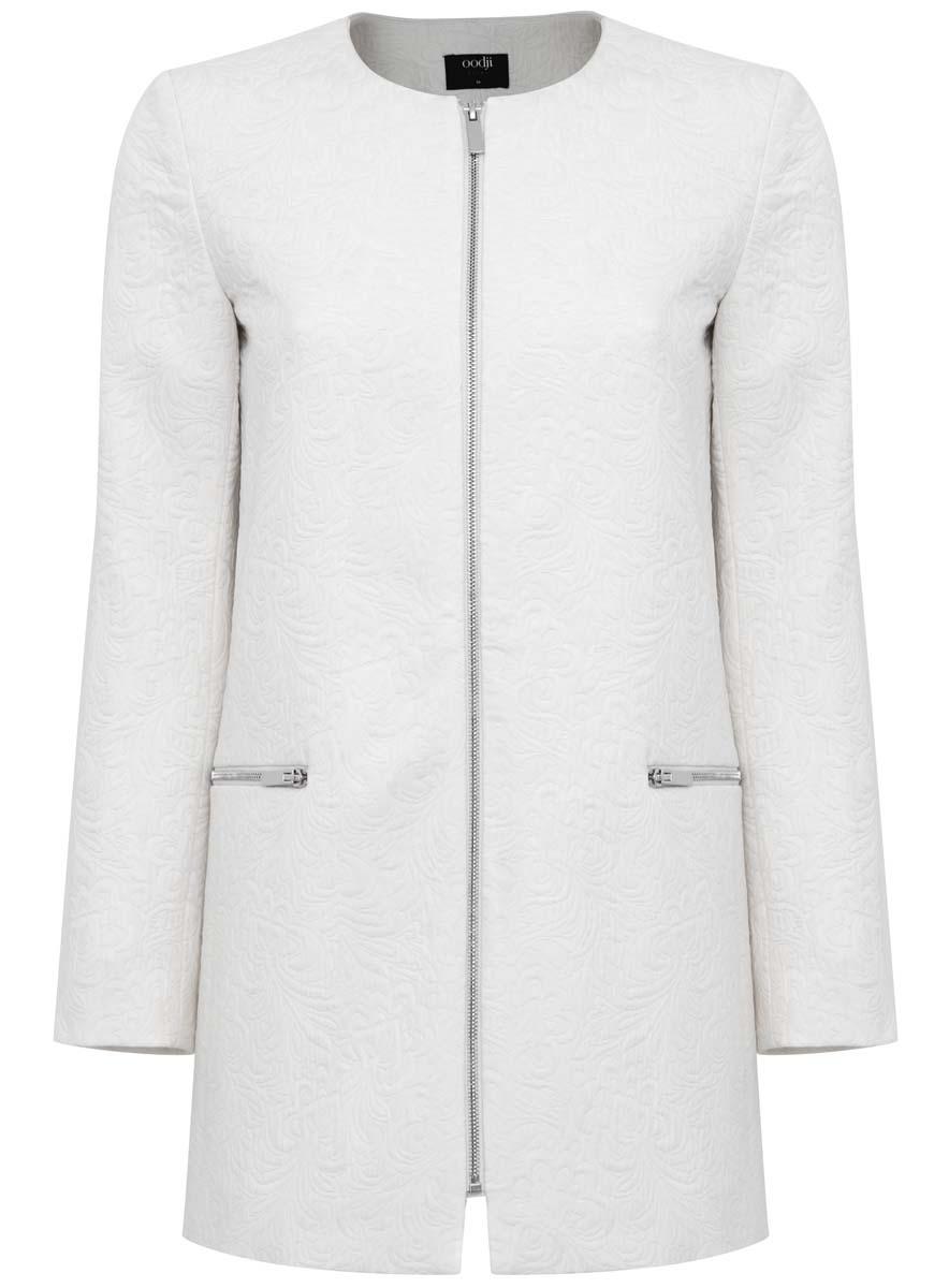 10103012-2/33289/1200NЛегкое женское пальто oodji Ultra изготовлено из хлопка с добавлением полиэстера. Модель с круглым вырезом горловины застегивается на металлическую застежку-молнию. Спереди расположены два прорезных кармана на застежках-молниях. Модель оформлена фактурными узорами.