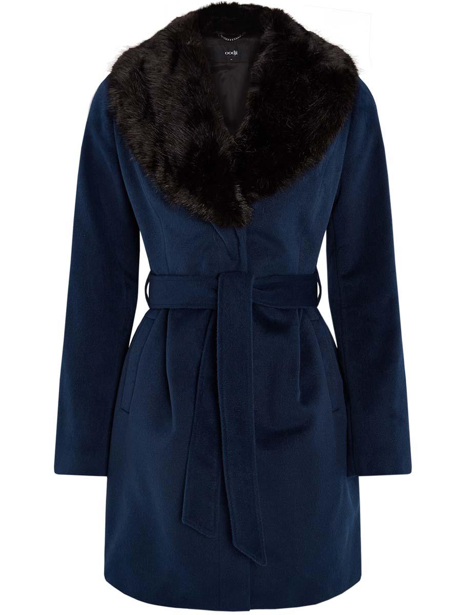 Пальто10104030-2/45749/7900NСтильное женское пальто oodji Ultra изготовлено из полиэстера с добавлением вискозы. Модель с воротником-шаль, оформленным искусственным мехом, застегивается на кнопки. Пальто на талии дополнено поясом. Спереди расположены два прорезных кармана.