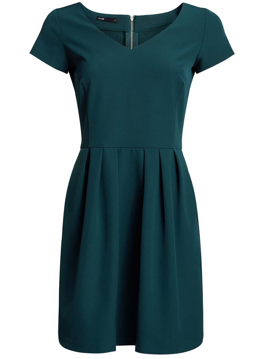 Платье11913028/45559/4500NПлатье oodji Ultra изготовлено из полиэстера с добавлением эластана. Верх платья выполнен с короткими рукавами и V-образным вырезом. Подол платья оформлен крупными складками. Модель застегивается на металлическую застежку-молнию, расположенную на спинке.