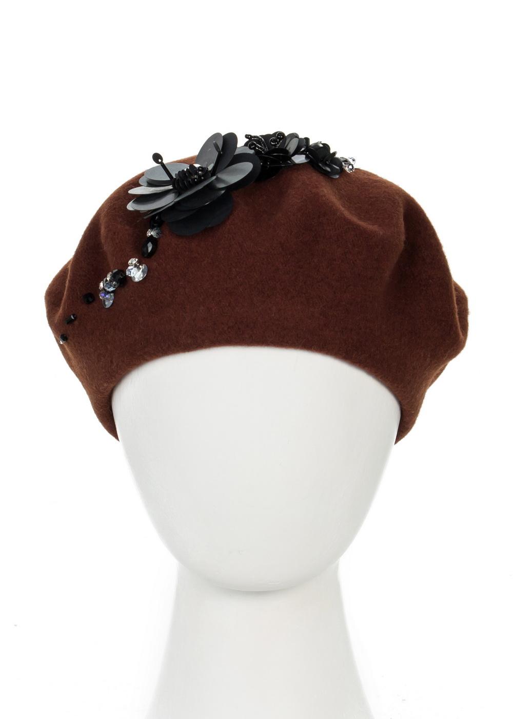 Берет999328Теплый берет Avanta Velia, выполненный из натуральной шерсти, отлично дополнит ваш образ в холодную погоду. Модель оформлена оригинальными цветами выполненных из страз, кристаллов и пайеток разных размеров. Такой берет, составит идеальный комплект с модной верхней одеждой, в нем вам будет уютно и тепло! Уважаемые клиенты! Размер, доступный для заказа, является обхватом головы.