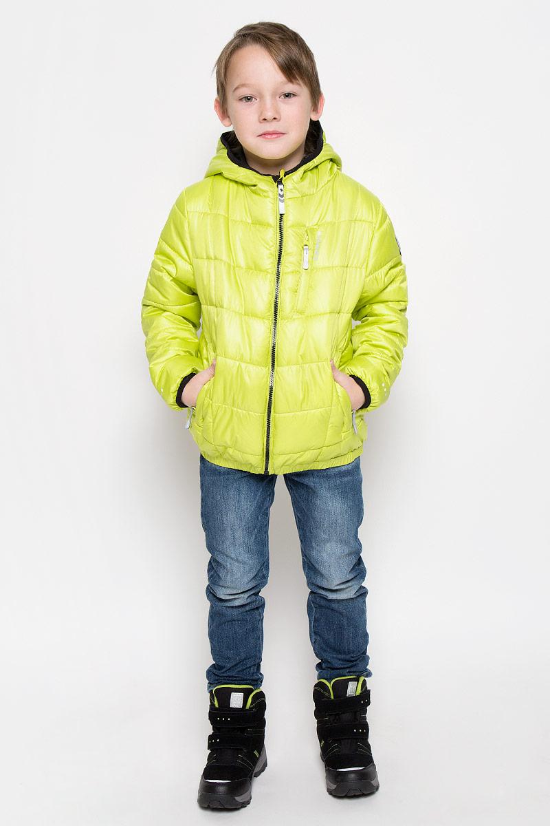 Куртка650015507IVКуртка, изготовленная из водоотталкивающей и ветрозащитной ткани, утеплена синтепоном. В качестве подкладки используется полиэстер. Куртка с капюшоном застегивается на молнию. Капюшон не отстегивается. Края рукавов и капюшона дополнены эластичными трикотажными резинками. Модель дополнена двумя прорезными карманами на молниях и одним нагрудным кармашком на молнии. Низ изделия дополнен эластичной резинкой. Изделие дополнено светоотражающим элементом для безопасности ребенка в темное время суток.