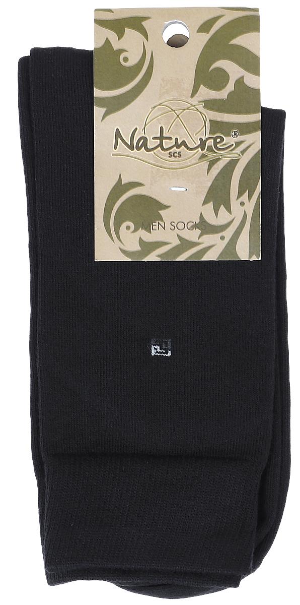 Носки505Мужские носки Nature изготовлены из высококачественного эластичного хлопка с добавлением полиамида и эластана. Носки с классическим паголенком дополнены эластичной резинкой, которая надежно фиксирует носки на ноге.