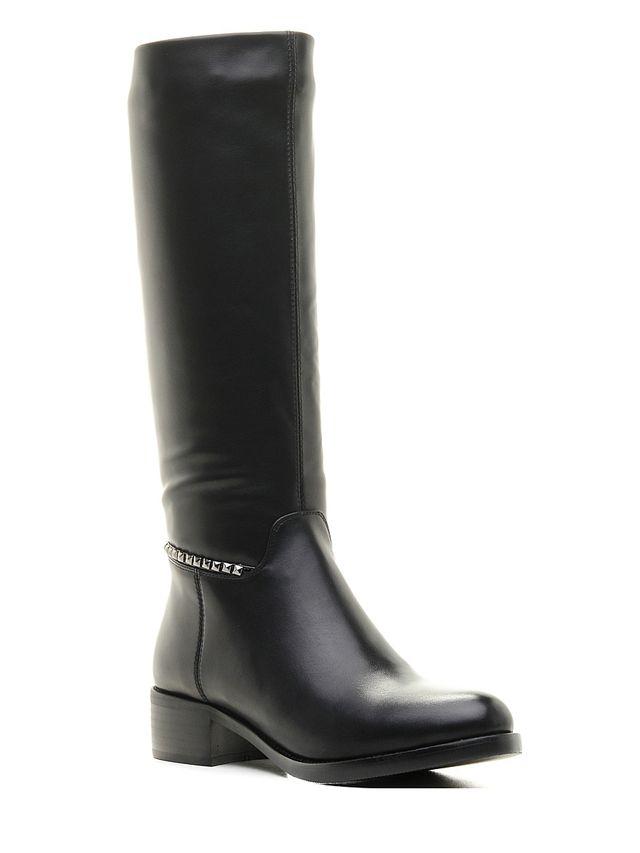 Сапоги16504Z-2-2LОригинальные женские сапоги Daze - отличный вариант на каждый день. Модель выполнена из искусственной кожи. Умеренной высоты каблук устойчив. Подошва с рельефным протектором обеспечивает отличное сцепление на любой поверхности. В этих сапогах вашим ногам будет комфортно и уютно.