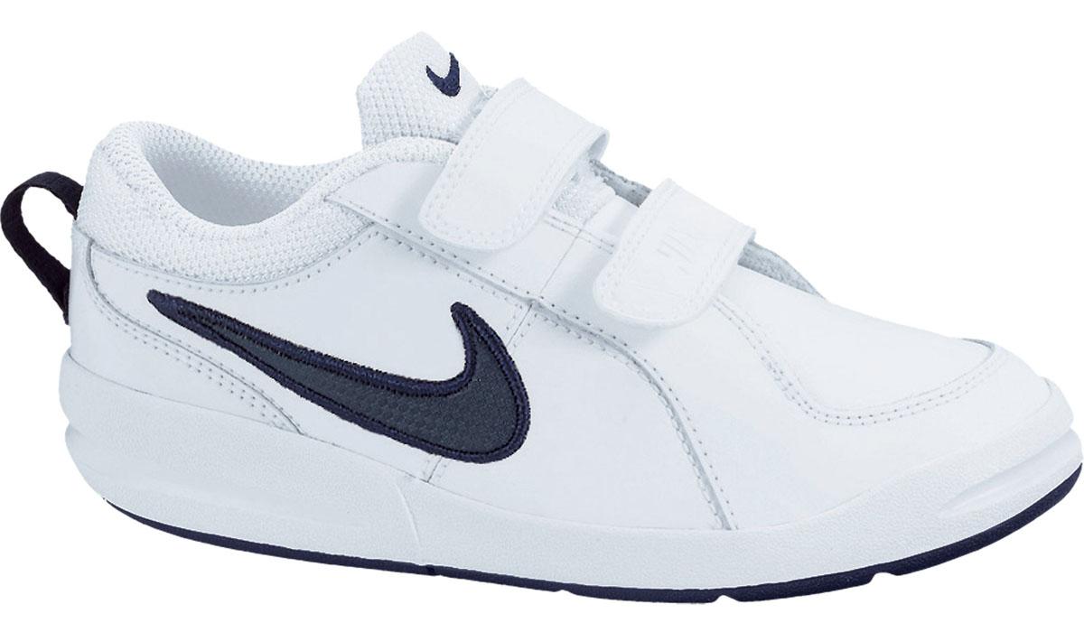454500-101Детские кроссовки Pico 4 от Nike, выполненные из натуральной и искусственной кожи, дополнены вставками из текстиля. Ремешки с застежками-липучками надежно фиксируют модель на ноге. Текстильная подкладка не натирает. Промежуточная подошва обеспечивает отличную амортизацию. Подошва дополнена рифлением.