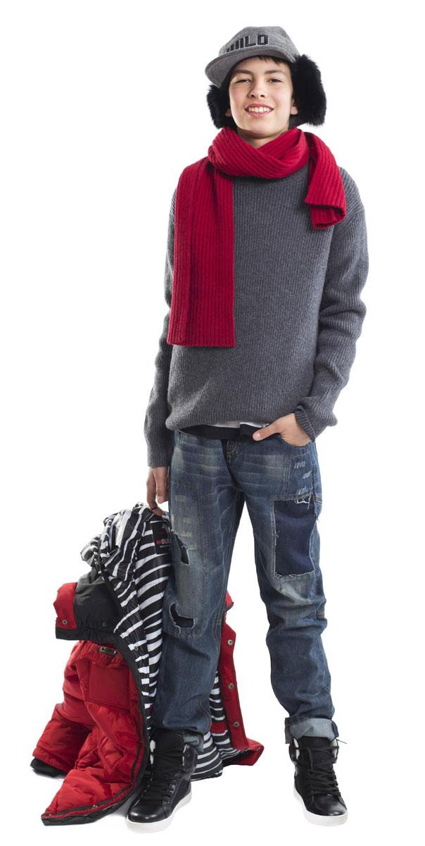 Водолазка21612BTC3201Купить водолазку для мальчика-подростка - задача не из простых! С каждым годом родителям все труднее обосновать свой выбор теплом и практичностью. Модель должна нравиться подростку и только тогда он будет носить ее с удовольствием! Простая объемная водолазка без декоративных излишеств - именно то, что нужно на каждый день.! Отличный состав пряжи обеспечивают хороший внешний вид и долговечность.