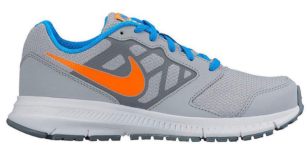 684979-011Детские кроссовки Nike Downshifter 6 (MSL) - это воздухопроницаемость и упругая амортизация для ежедневных пробежек. Поддерживают стопу, создавая естественный шаг во время бега и чувство комфорта на весь день.