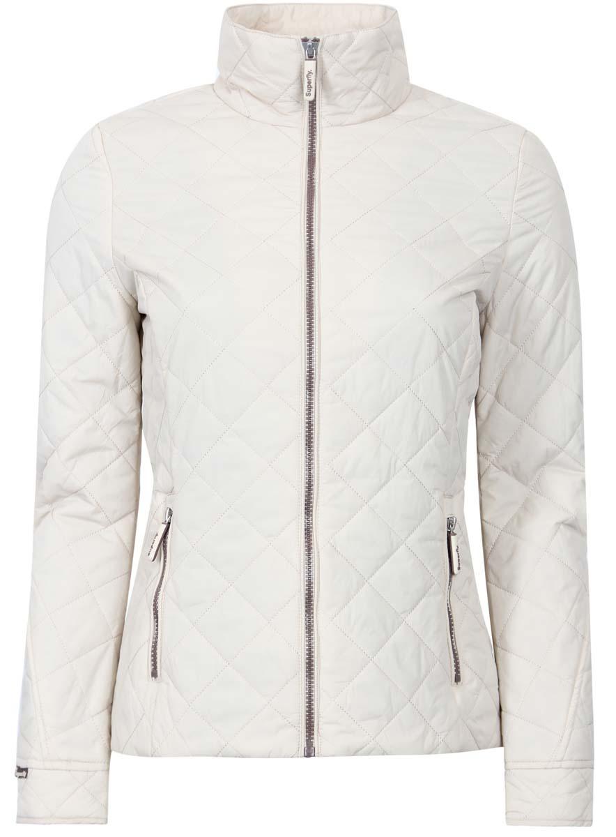 Куртка10204026-2B/33744/3300NЖенская куртка oodji Ultra выполнена из 100% полиамида. В качестве подкладки и утеплителя используется 100% полиэстер. Модель с воротником-стойкой и длинными рукавами застегивается на застежку-молнию. Спереди расположено два прорезных кармана на застежке-молнии.