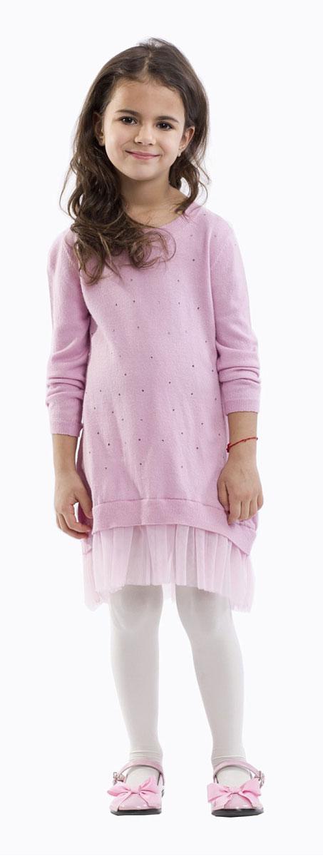 21601GMC0401Какими должны быть модные платья? Новыми, интересными, необычными! Именно так выглядит это замечательное детское платье благородного розового цвета! Комбинация вязаного трикотажа и мягкой сетки имитирует модную многослойность. Свободный силуэт подчеркивает актуальность модели и дарит неповторимый комфорт. Платье оформлено мелкими сияющими стразами и деликатным металлическим медальоном с фирменной символикой. Если вы решили купить стильное, удобное, красивое платье для девочки, выбор этой модели - решение, которое ваш ребенок обязательно оценит!