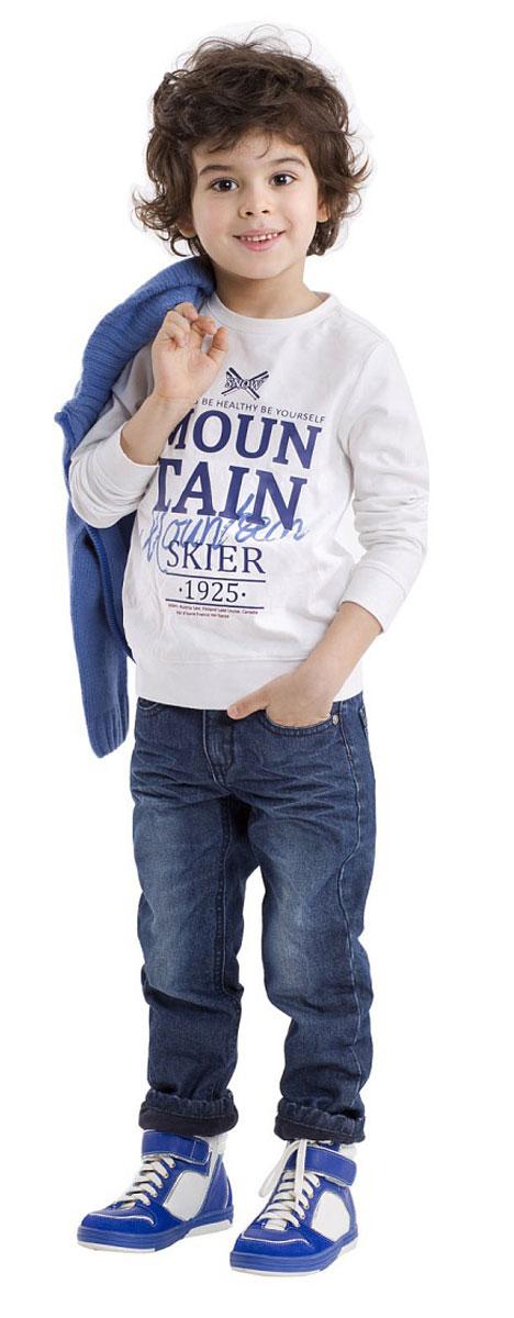 21603BMC1201Детские футболки с длинным рукавом - основа повседневного гардероба! А футболка с надписями - изделие из разряда Must Have! Удобная и красивая, стильная трикотажная футболка способна добавить образу изюминку, а также подарить комфорт и свободу движений. Если вы хотите приобрести модную и удобную вещь на каждый день, вам стоит купить классную футболку с принтом. Мягкий хлопок с эластаном обеспечит прекрасный внешний вид и комфорт в повседневной носке.