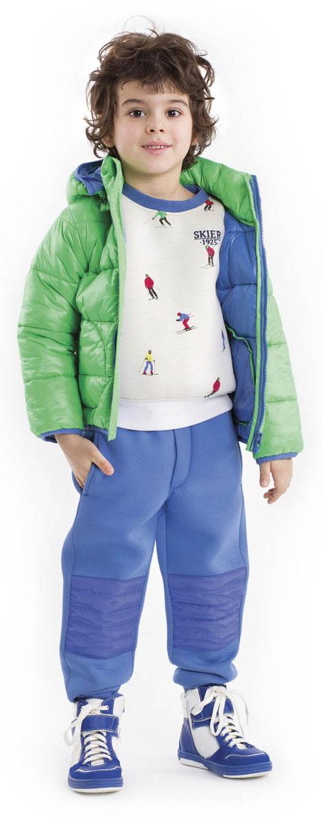 Брюки21603BMC5601Прекрасные брюки из неопрена - идеальный вариант для прогулок в прохладный день! Детские брюки не стесняют движений, отлично держат форму, имеют уплотнители в коленной зоне, удобные карманы, словом, все, чтобы активно двигаться и играть. Контрастная брендированная резинка придает модели изюминку, а также значительно упрощает процесс одевания-раздевания.