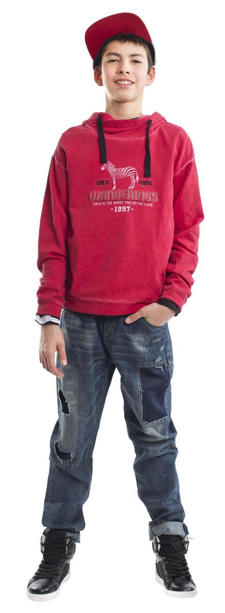 21612BTC6303Модные джинсы для мальчика с актуальными потертостями, заплатками и варкой сделают образ подростка ярким и современным! Синие джинсы, ставшие классикой повседневного стиля - идеальный вариант для осенней погоды. Удобные и практичные, джинсы из хлопка гарантируют комфорт и свободу движений.