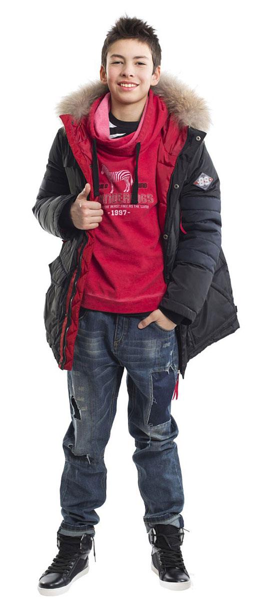Куртка21612BTC4602Эта модель - образец того, какими должны быть зимние пуховики для мальчиков! Куртка от Gulliver - олицетворение уюта и комфорта! Модный силуэт, комфортная длина, множество интересных функциональных и декоративных деталей делают пуховик ярким и привлекательным! Изюминка модели в красной отделке! Это делает пуховик ярким, эффектным, завершенным. Если вы решили купить куртку для мальчика, то этот стильный пуховик - идеальный вариант для морозной зимы. Легкий, удобный, практичный, он надежно защитит ребенка от ветра и стужи, а также обеспечит достойный внешний вид!