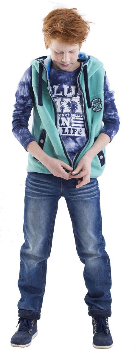 21608BKC6402Утепленные джинсы - это возможность быть стильным и современным в любую погоду! Тонкий флис на внутренней части модели не создает ненужного объема, сохраняя актуальную чуть зауженную форму модели, но делает джинсы теплыми и уютными. Модные зимние джинсы с потертостями и варкой - залог отличного настроения во время длительных прогулок в холодный и ненастный день.