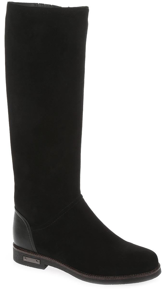 REN7-17BBS-3/1вЭлегантные сапоги от Westfalika займут достойное место в вашем гардеробе. Модель выполнена из натурального велюра, задник из гладкой кожи. Внутренний материал верха - ворсин, низ и стелька из натурального меха защитят ноги от холода и обеспечат комфорт. Сапоги застегивается на застежку-молнию, расположенную сбоку. Подошва из резины с рельефным протектором обеспечивает отличное сцепление на любой поверхности.