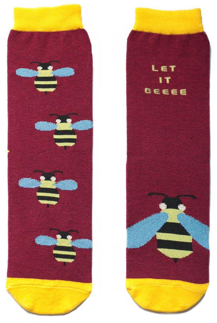 Носкиca11021Женский носки Big Bang Socks изготовлены из высококачественного хлопка с добавлением полиамидных и эластановых волокон, которые обеспечивают великолепную посадку. Удобная резинка идеально облегает ногу и не пережимает сосуды, а удлиненный паголенок придает более эстетичный вид. Мысок и пятка усилены. Модель оформлена принтом с изображением ос и надписью Let it beeee.