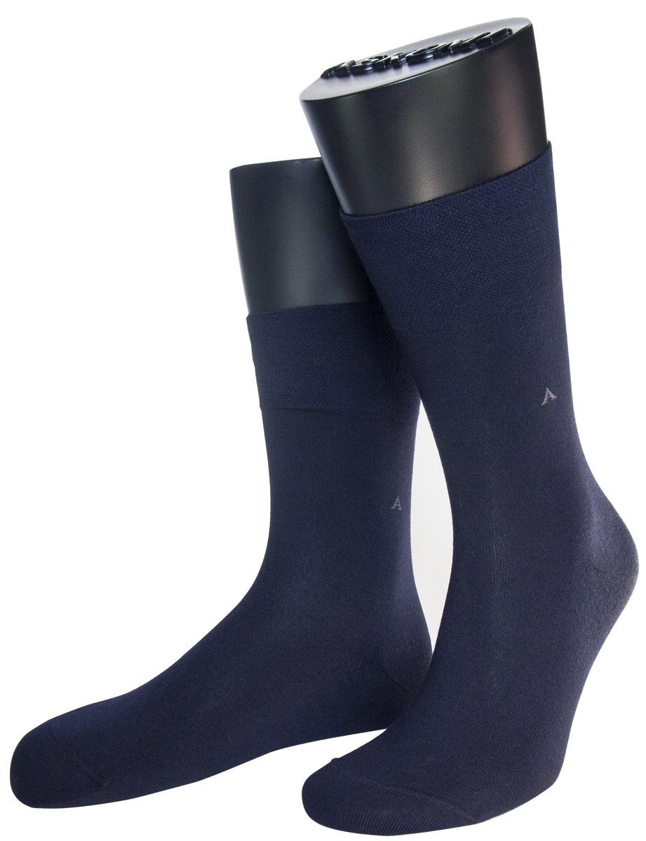 НоскиАМ-3900Мужские носки Askomi изготовлены из высококачественного хлопка с добавлением полиамидных и эластановых волокон, обладают повышенной гладкостью и мягкостью, не садятся и не деформируются. Изделие оснащено двойным бортом для плотной фиксации, который не пережимает сосуды, а также кеттельным швом, не ощутимым для ноги. Оформлены буквой А на паголенке.