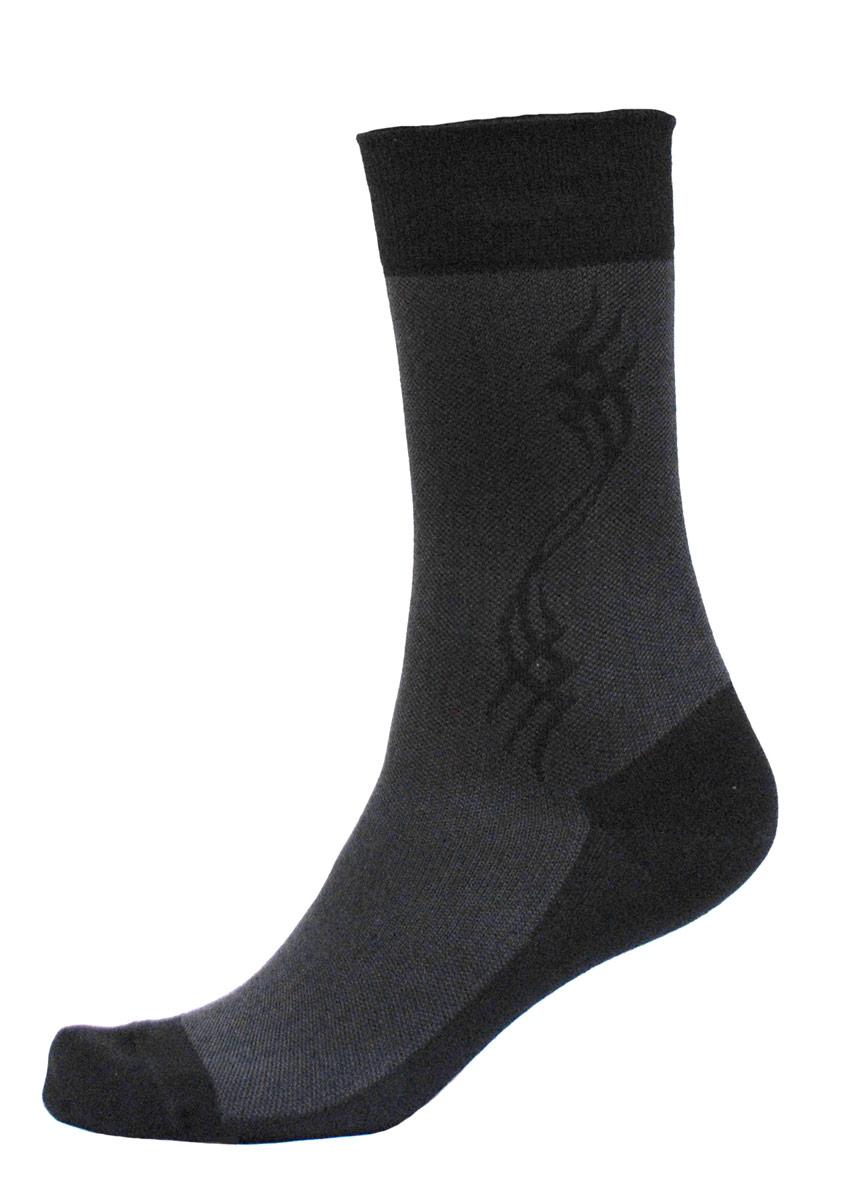 C716Мужские носки Burlesco изготовлены из высококачественного хлопка с добавлением полиамидных и эластановых волокон. Носки комфортно прилегают к ноге без образования складок. Идеальны для повседневной носки. Изделие оснащено широкой эластичной мягкой резинкой. Мысок и пятка усилены. Декорированы узором.