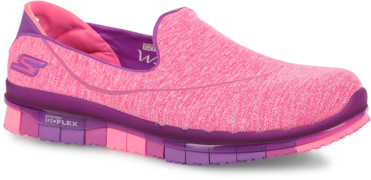 Кроссовки14012-PURКроссовки для фитнеса Skechers выполнены из текстиля Supersocks, благодаря которому обувь идеально сидит на ноге. Стельки GOGA Mat обладают хорошими амортизационными качествами и обработаны биоцидом для борьбы с микробами, вызывающими специфический запах. Новая инновационная подошва Resalyte Flex обеспечивает максимальную гибкость при ходьбе.